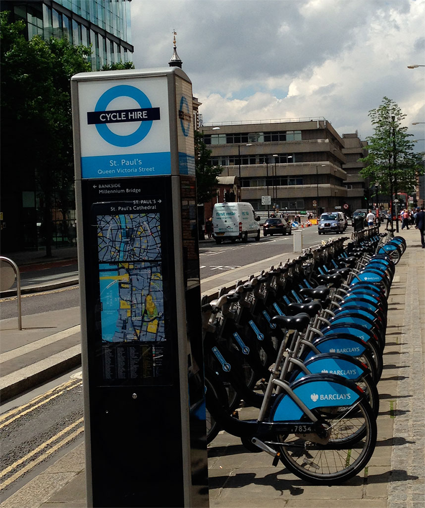 Cycle Hire stand near St. Paul's Cathedral.